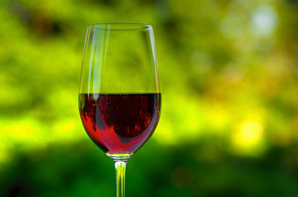 Vai um vinho aí?  (Foto: Flickr / Matthew Rogers)