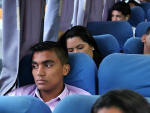 Estudante viaja de ônibus de segunda a sexta para estudar em curso pré-vestibular, em Manaus (Foto: Jamile Alves/G1 AM)