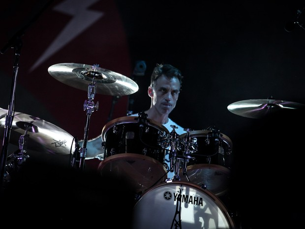 Matt Cameron, baterista do Pearl Jam, se apresenta com a banda no Estádio do Morumbi, em São Paulo (Foto: Fabio Tito / G1)