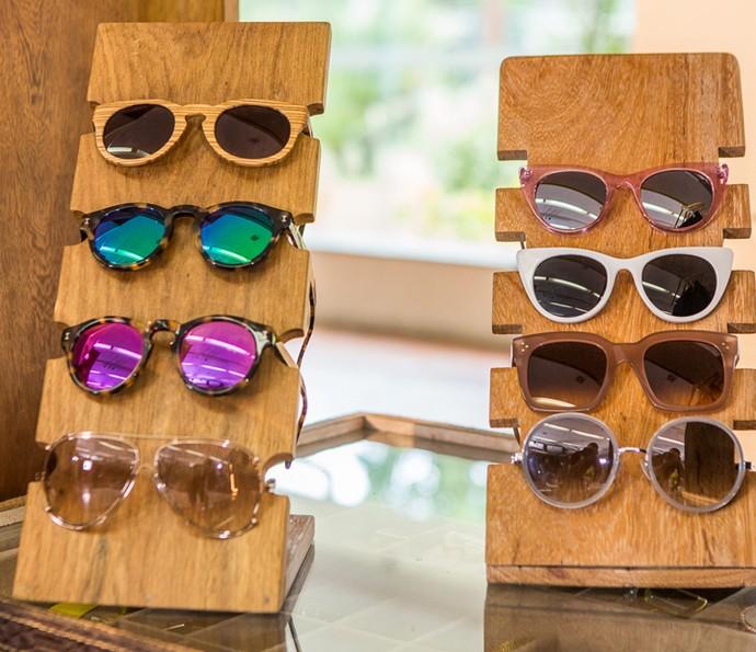 Coleção de óculos escuros de Deborah Secco (Foto: Artur Meninea/Gshow)