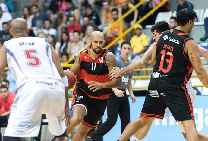 Marquinhos também se destacou com 24 pontos para o Flamengo, no duelo em Franca (Foto: Newton Nogueira/Franca Basquete)
