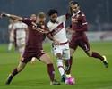 Temporada nova, velhos tropeços: Milan fica só no empate com o Torino