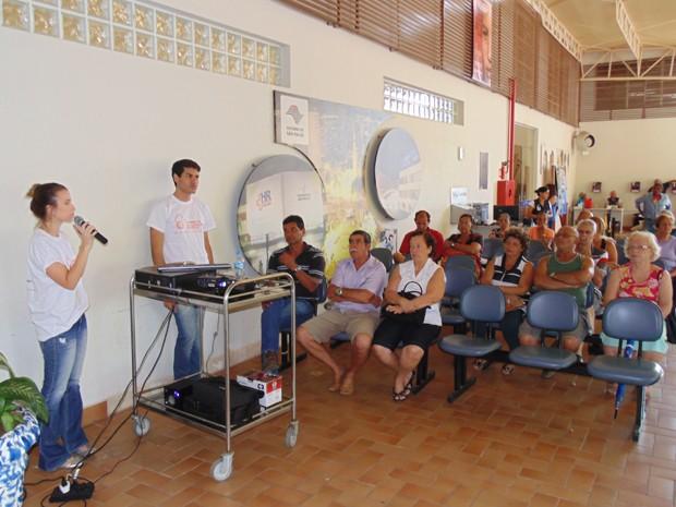 Dermatologistas orientaram público a usar protetor solar diariamente (Foto: Hospital Regional de Presidente Prudente/Divulgação)