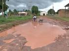Moradores reclamam da situação precária do ramal da Estrada Nova