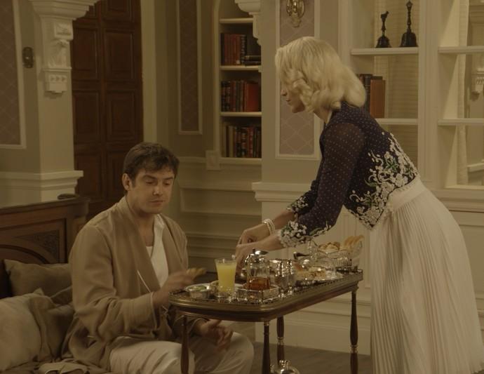 Mesmo com um banquete, o caipira pede pão, manteiga, café e leite (Foto: TV Globo )