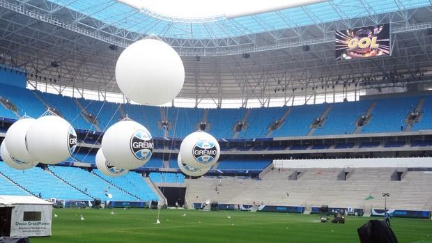 arena do grêmio arena grêmio telão balão balões (Foto: Lucas Rizzatti/Globoesporte.com)