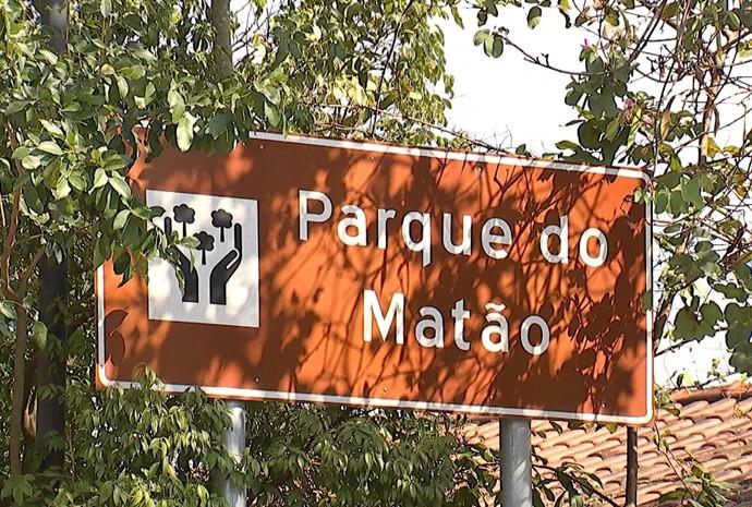 Revista começa o programa em Votorantim conferindo as atrações do Parque do Matão (Foto: Reprodução/TV TEM)