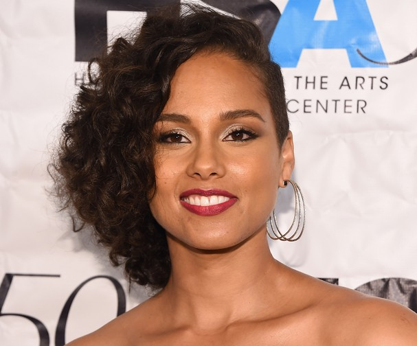 NEW YORK, NY - OCTOBER 05:  Singer-songwriter Alicia Keys attends the Harlem School of the Arts 50th anniversary kickoff at The Plaza on October 5, 2015 in New York City.  (Photo by Michael Loccisano/Getty Images for Harlem School of the Arts) (Foto: Getty Images for Harlem School o)