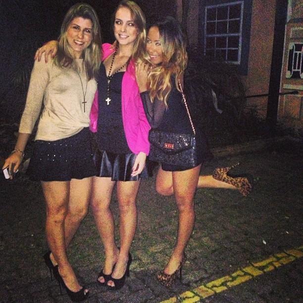 Rafaella Beckran, irmã de Neymar, com amigas (Foto: Instagram/ Reprodução)