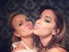 Eliana posa com Anitta: 'Duck face vale a pena com ela'