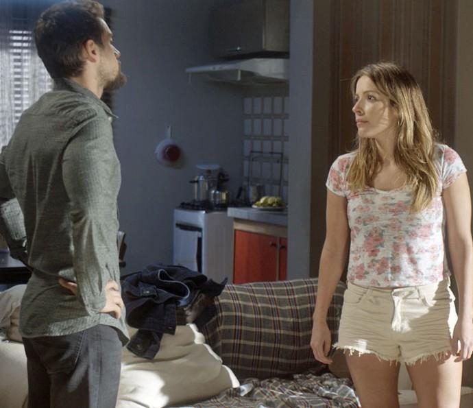 Depois de término, Sirlene ameaça César (Foto: TV Globo)