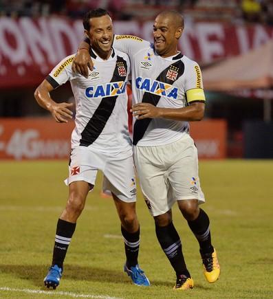 jogador Nene do Vasco comemora gol durante a partida entre América RJ e Vasco RJ valida pelo Campeonato Carioca 2016, no Estádio Giulite Coutinho em Mesquita (Foto: MARCELLO DIAS/FUTURA PRESS/ESTADÃO CONTEÚDO)