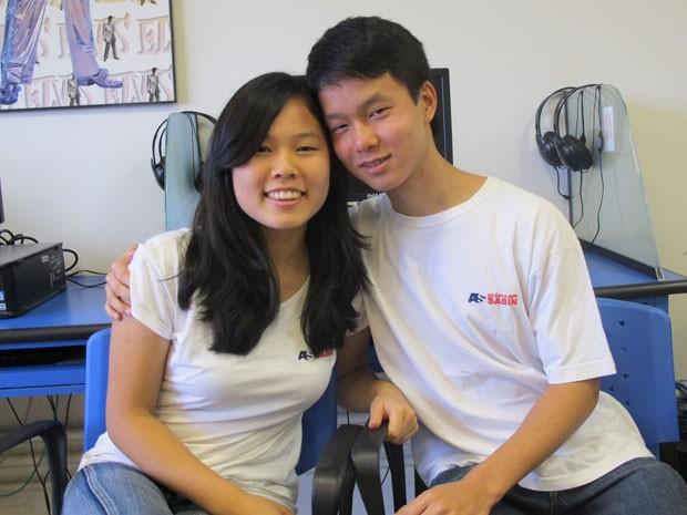 Celina Harumi e Lucas Kenji são alunos do Albert Sabin e namoram há oito meses (Foto: Vanessa Fajardo/ G1)