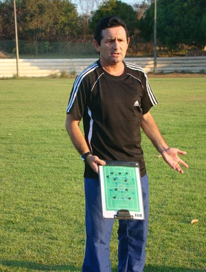 Maradona, Tiradentes-PI (Foto: Emanuele Madeira/GLOBOESPORTE.COM)