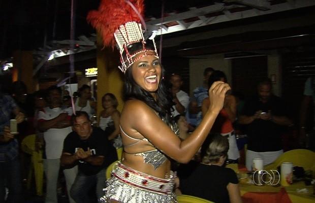 Além do Rei Momo, também foram escolhidas a rainha e as princesas do carnaval (Foto: Reprodução/TV Anhanguera)