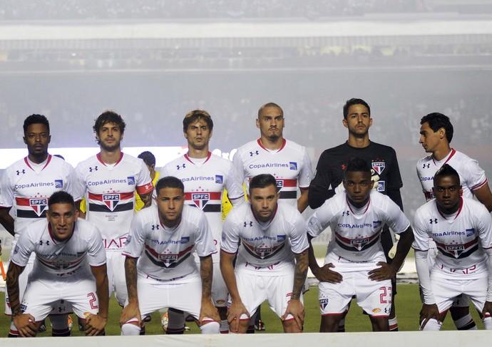 São Paulo posado (Foto: Marcos Ribolli)