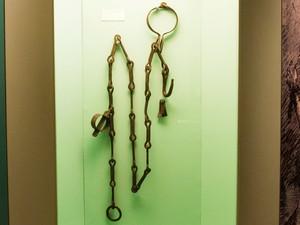 Corrente do milagre do escravo Zacarias exposta no Museu (Foto: Thiago Leon/Museu N. S. Aparecida)