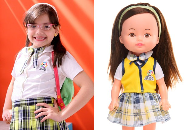 Sthefany Vaz e a boneca da personagem Carmen (Foto: Divulgação/Estrela e SBT)