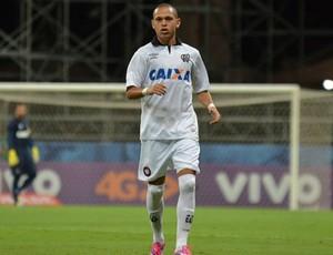 Marcos Guilherme, meia do Atlético-PR (Foto: Gustavo Oliveira/ Site oficial Atlético-PR)
