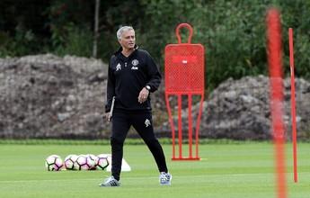 Mourinho descarta Schweinsteiger e diz que prefere usar jovens da base