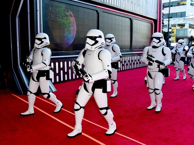 Stormtroopers em première em Los Angeles, nos Estados Unidos (Foto: Frazer Harrison/ Getty Images/ AFP)