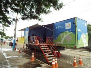 Consciência Ampla Sobre Rodas chega a Cantagalo e troca geladeiras novas por velhas (Foto: Divulgação/Ampla)