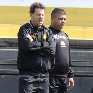 Argel Fucks técnico Galeguinho auxiliar técnico Criciúma (Foto: João Lucas Cardoso)
