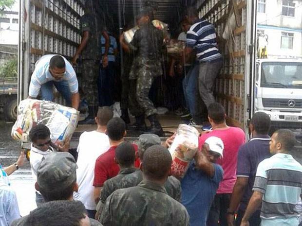 Material para as vítimas das chuvas em Salvador foi doado por ministério (Foto: Divulgação/Codesal)
