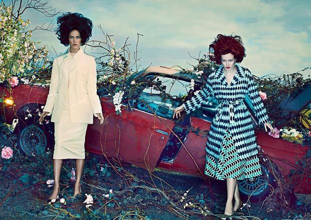 Carolyn Murphy e Karen Elson   (Foto: Steven Klein, Vogue US, janeiro de 2013)