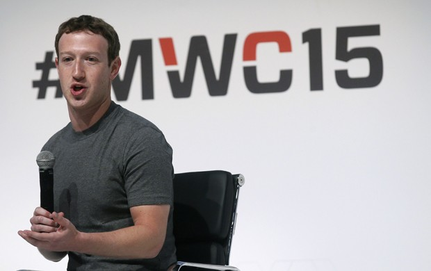 Mark Zuckerberg, presidente-executivo e fundador do Facebook, durante fala no MWC 2015 (Foto: Albert Gea/Reuters)