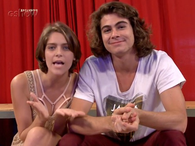 Bella Santoni e Rafa Vitti falando sobre #ShippandoOMundo  (Foto: Gshow)