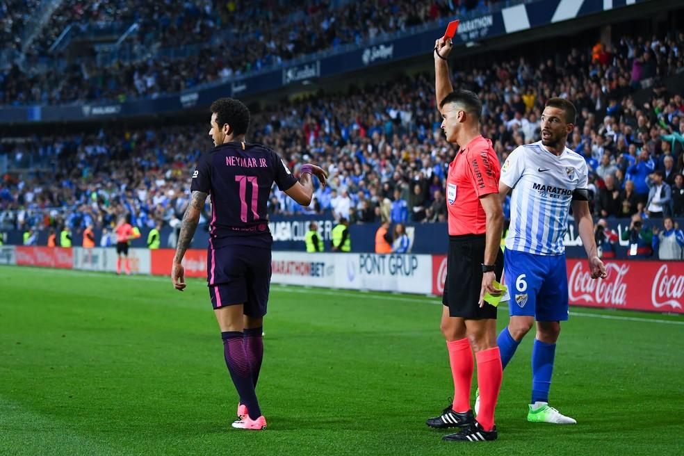 Neymar é expulso na partida contra o Málaga pelo Campeonato Espanhol (Foto: AFP/Getty Images)