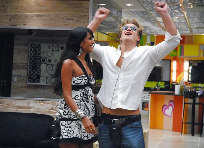 Carol levou o prêmio de R$50 mil com o segundo lugar no BBB7 (Foto: Globo / Kiko Cabral)
