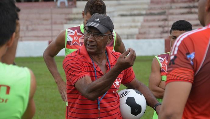 Técnico Zezito falou sobre o risco da partida antes do início do coletivo (Foto: Duaine Rodrigues)