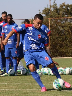 Moisés - atacante do Vila Nova (Foto: Comunicação / Vila Nova)