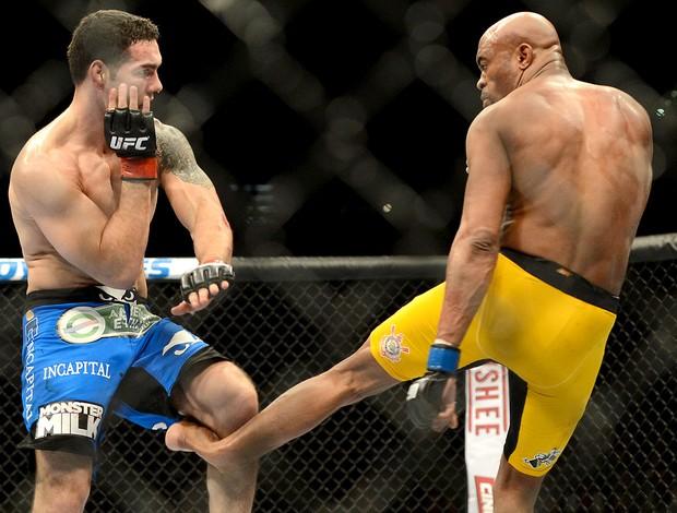 Anderson Silva lesão UFC Las Vegas (Foto: Reuters)