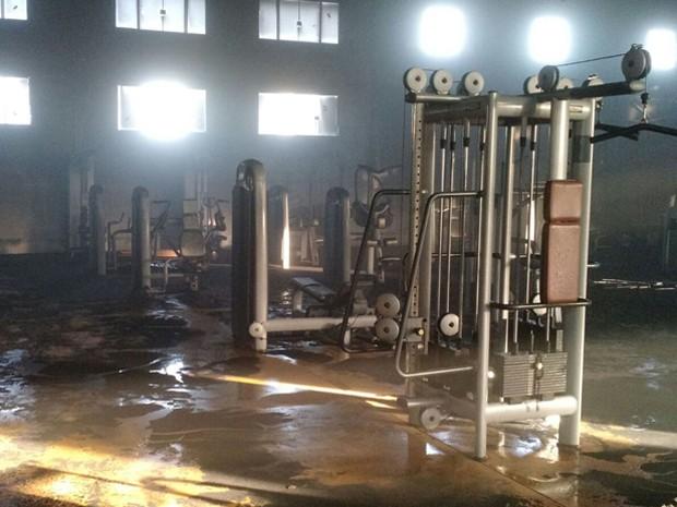 Outros equipamentos atingidos pelo fogo em academia (Foto: Corpo de Bombeiros/Divulgação)