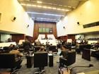 Deputados do Paraná aprovam a suspensão do reajuste a servidores