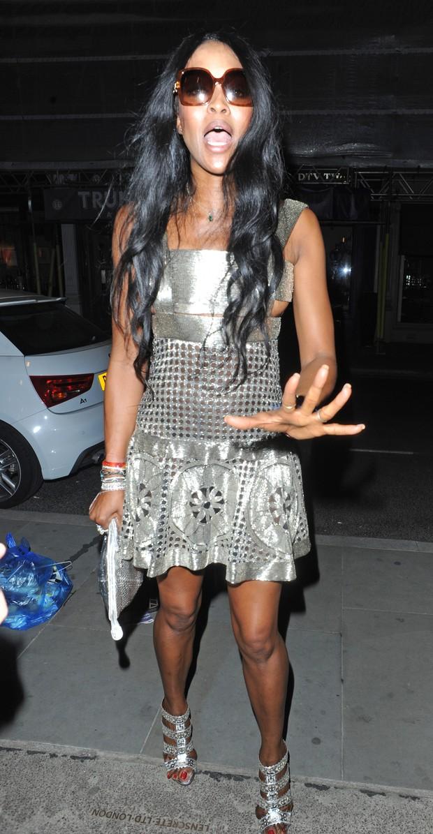 Naomi Campbell em Londres, na Inglaterra (Foto: Grosby Group/ Agência)