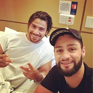 Munhoz visita Mariano em hospital (Foto: Reprodução/Instagram)
