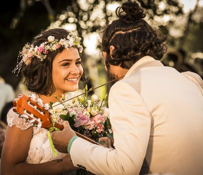 Miguel anima a festa do casamento (Foto: Inácio Moraes/ Gshow)