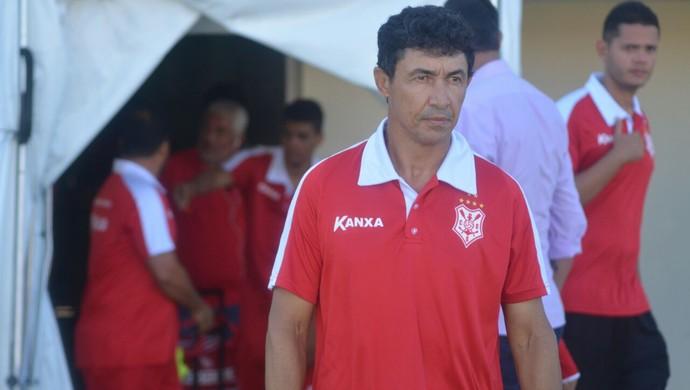 Betinho, técnico do Sergipe (Foto: Felipe Martins / Asscom Sergipe)