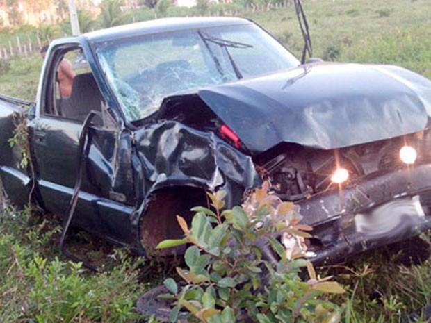 Acidente perto de Alcobaça, na Bahia, mata condutor (Foto: SulBahiaNews)