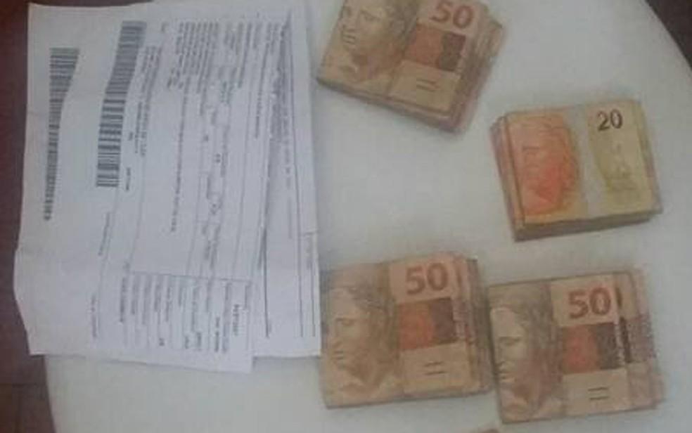 Atitude dos funcionários ganhou repercussão nas redes sociais (Foto: Sinttro/Divulgação)