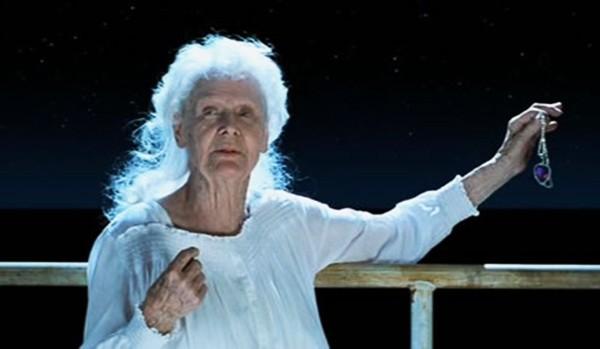 Gloria Stuart como Rose Dawson em 'Titanic' (1997) (Foto: Reprodução / Vídeo)