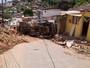 Caminhão tomba, atinge três casas  e interdita avenida em Camaragibe, PE