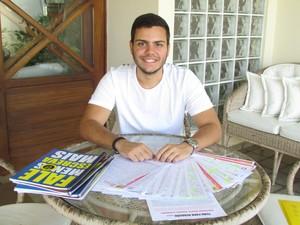 (AL) Estudante que tirou nota mil na redação do Enem tenta medicina há 4 anos (Foto: Larissa Vasconcelos/G1)