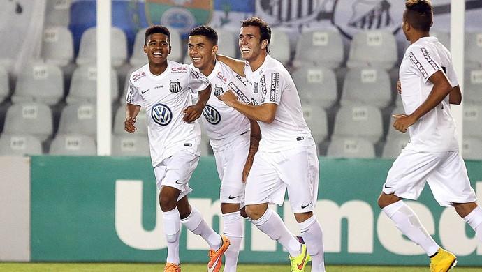 Diogo, Fernando Medeiros e Serginho (Foto: Pedro Ernesto Guerra Azevedo / Santos FC)