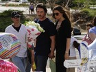Christian Bale visita vítimas de massacre em sessão de 'Batman'