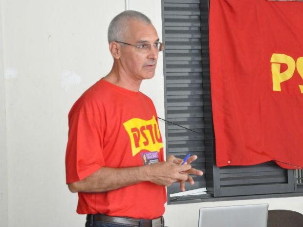 Professor Monge durante convenção estadual do PSTU (Foto: Mirian Machado/ G1 MS)